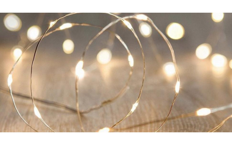 Deco trend: 10 ways to decorate your home with light garlands