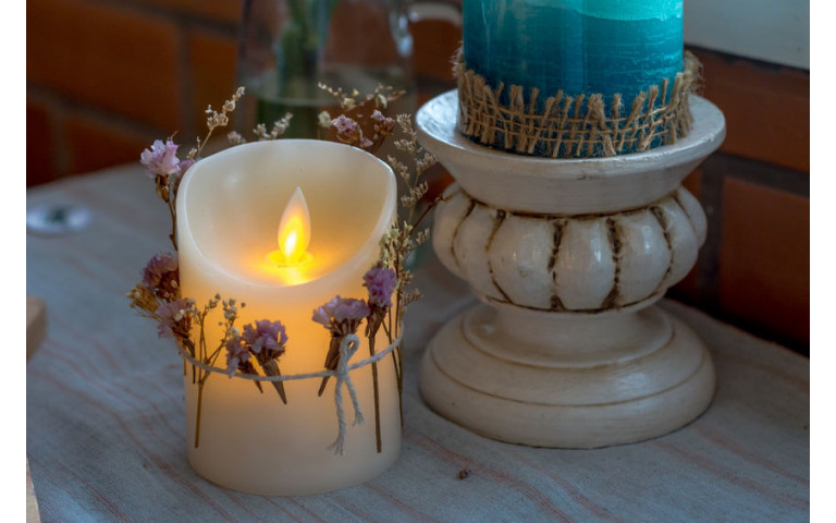 Design tip: use LED candles to warm up your home!